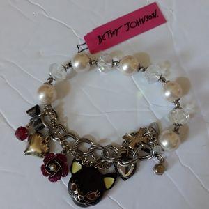 Betsey Johnson Stretchable Cat Charm Bracelet